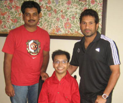 Sachin meets Young Achievers